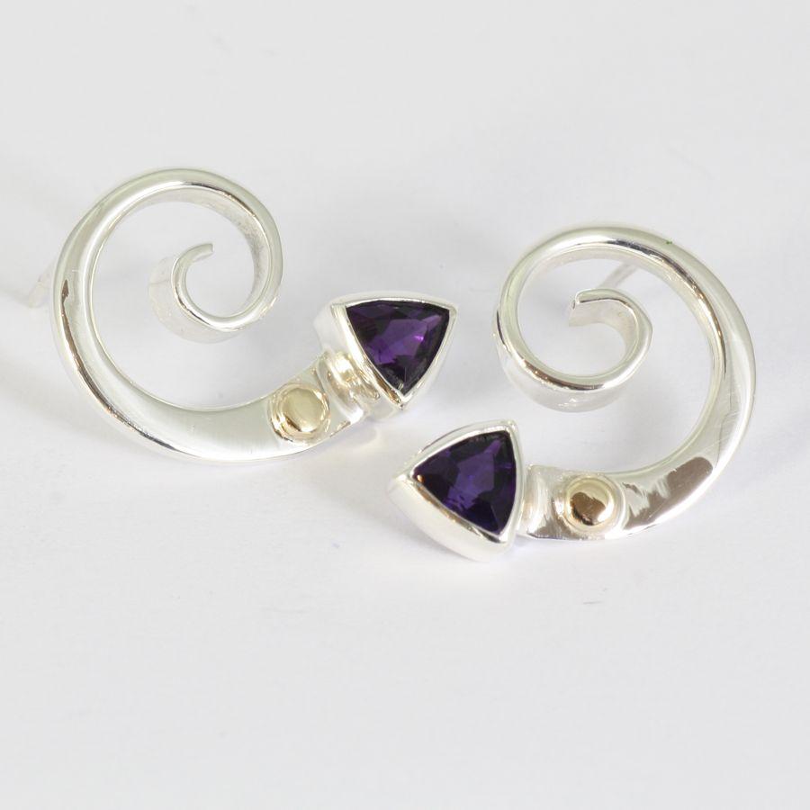 silver_earrings