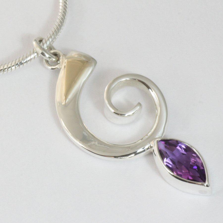 silver_necklaces